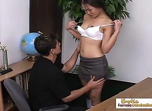 Teen Asian schoolgirl mill not susceptible her grade all round her asshole