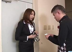 Stunning blowjob upon big tits Araki Hitomi