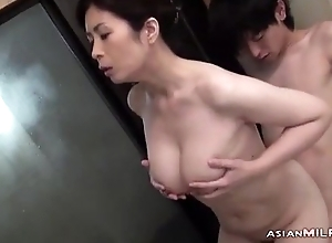 Busty Milf Sucking Young Guy Getting Her Hairy Pussy Fingered In Chum around with annoy Bathtube