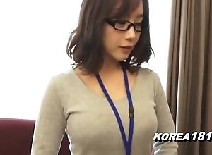 Korea1818.com - hot korean girl debilitating glasses