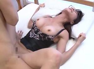 Asian housewife champaign top enjoys intense fur pie pounding