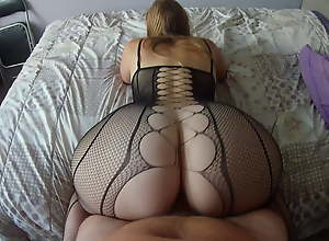 Reverse cowgirl with a milf relative to most assuredly off colour lingerie! Amateur!