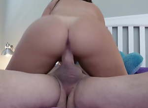 the stepdaughter whore ends up pleasing and fucking