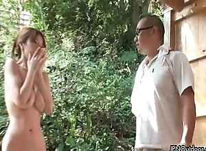 Sexy asian floozy gets scalding rubbing her