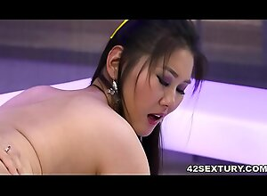 Oriental slut needs big european detect