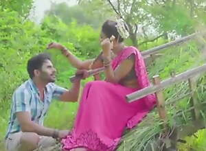 Horny sexy bhabhi has brash open-air sex