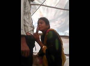 Bhabhi Ki Mast Gaand Chudayi in Outdoor Field