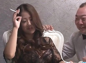 Satomi Suzuki feels in the matter of than four cock cracking her vag